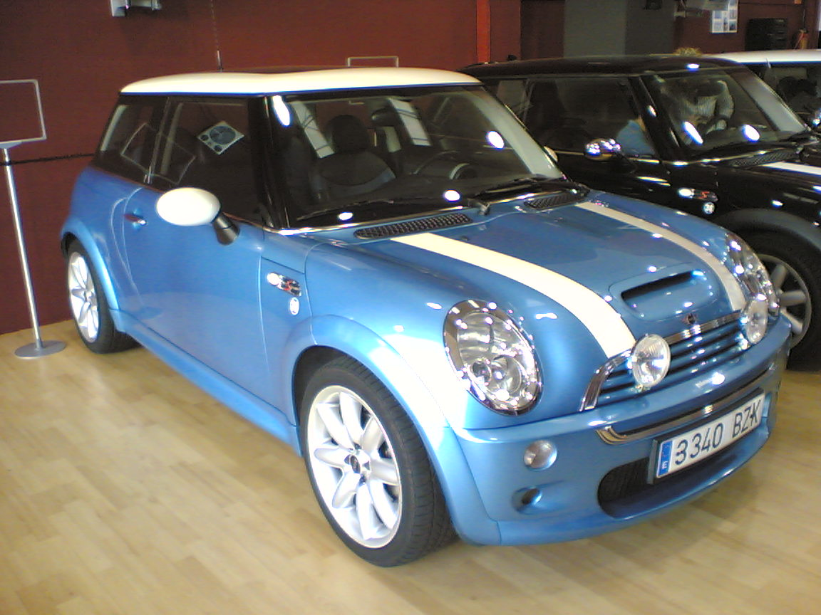 un mini cooper r56 en madrid. Black Bedroom Furniture Sets. Home Design Ideas