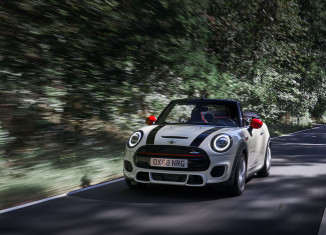 MINI Cabrio and John Cooper Works 2019_Nurburgring Nordschleife_3 mini club the. comminity